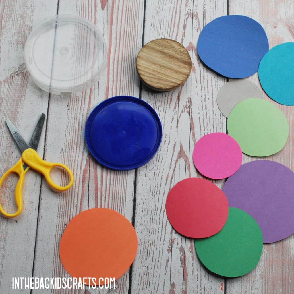 DIY SOLAR SYSTEM MOBILE CRAFT: CUTTING OUT THE PLANETS